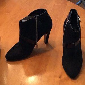 Sigerson Morrison size 8 black suede & hair bootie